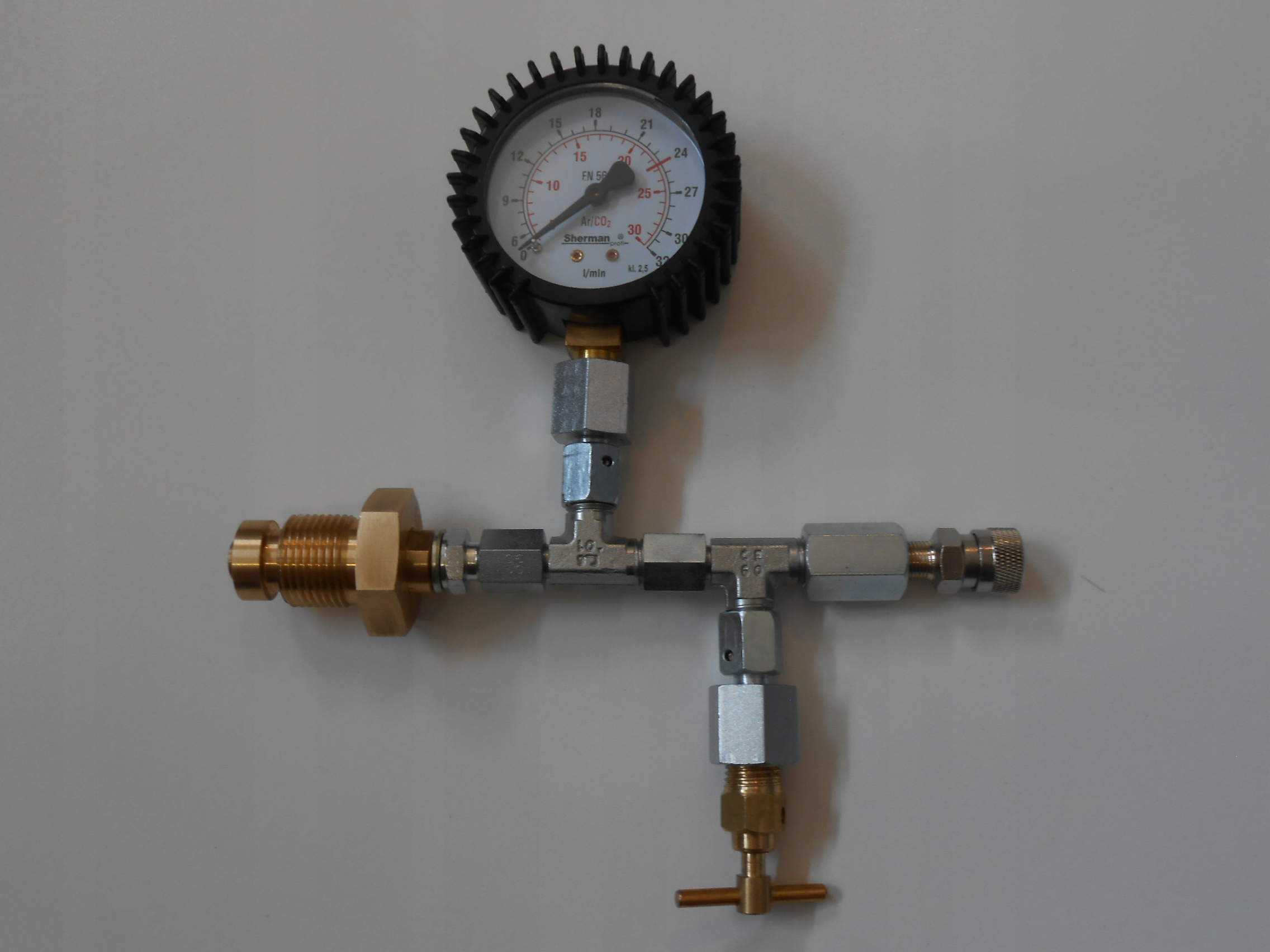 Nabíjacej stanice PCP/HP s tlakomerom a przetoczka