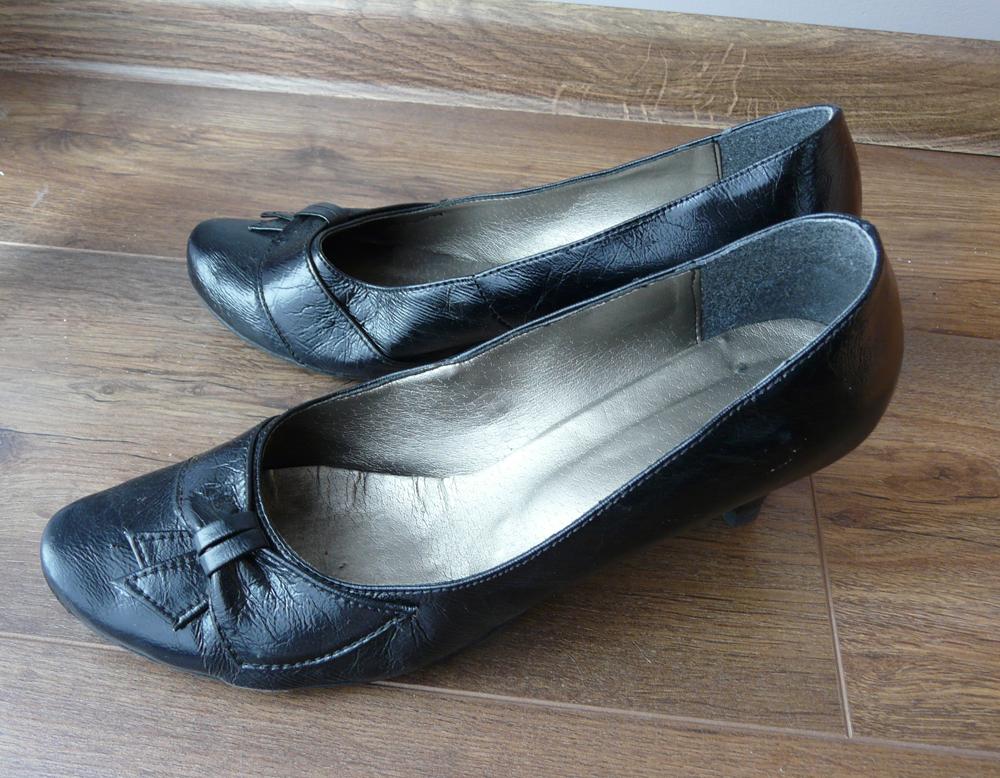 Czarne czółenka buty bardzo wygodne r. 40