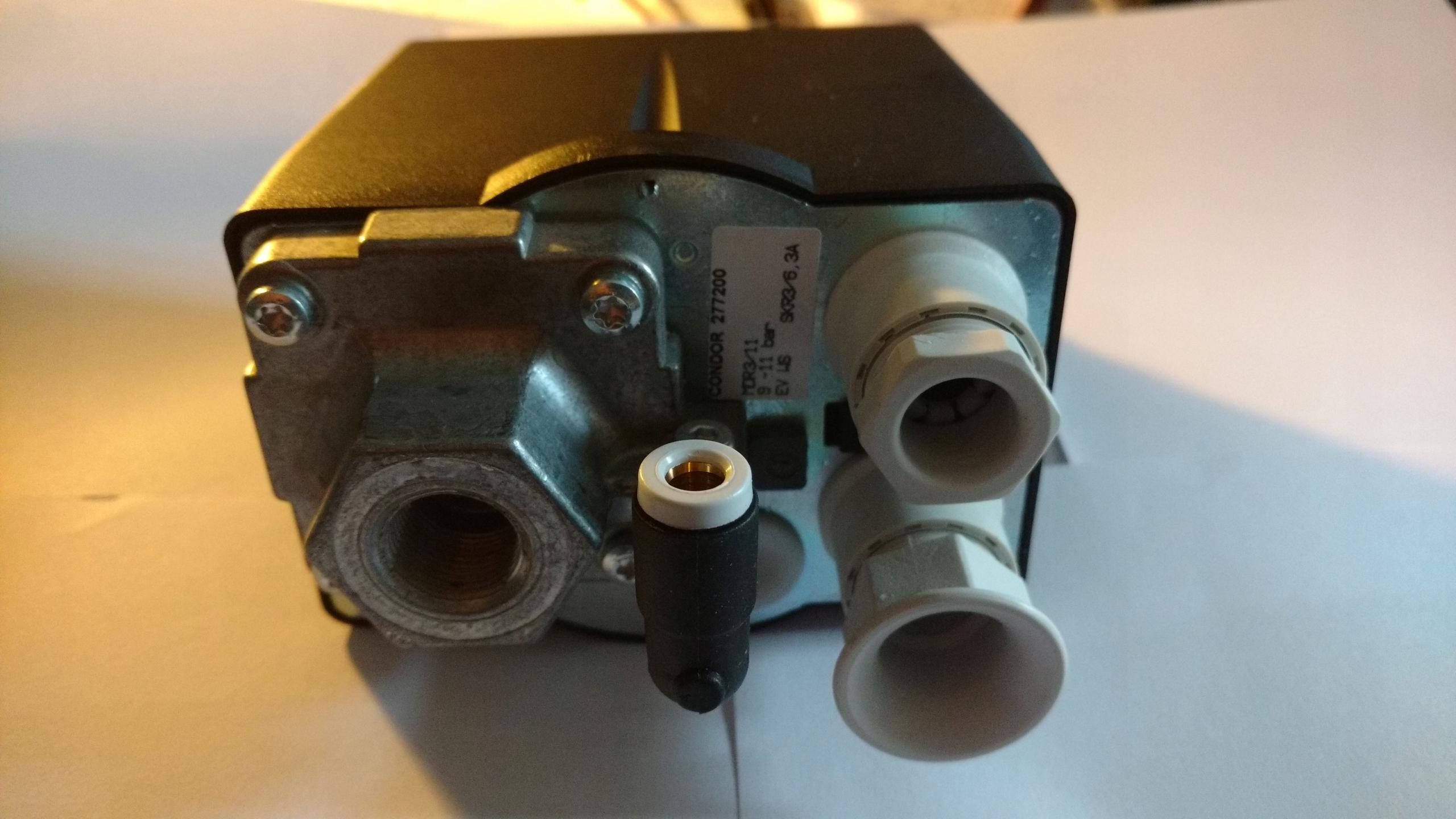 Tlakový spínač MDR -3 6,3 A