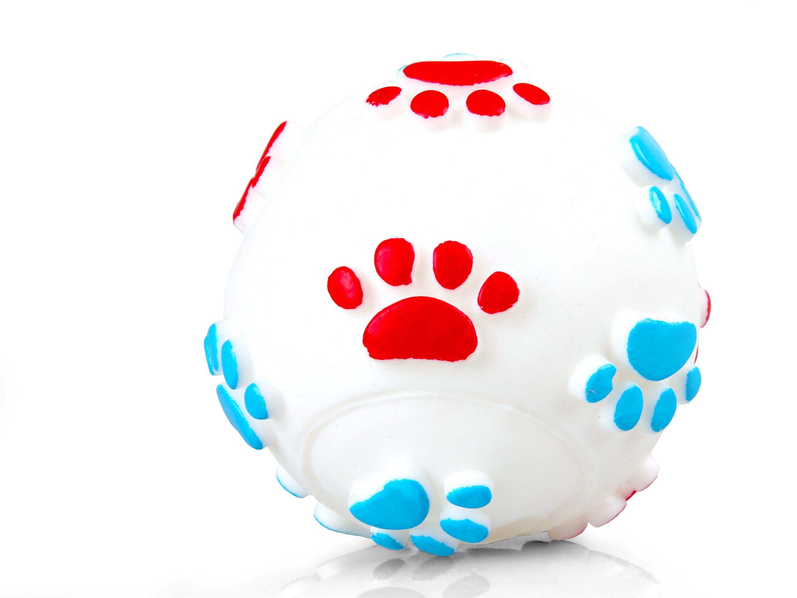 CHICO Zabawka dla psa Vinyl Piłka w łapki 6cm