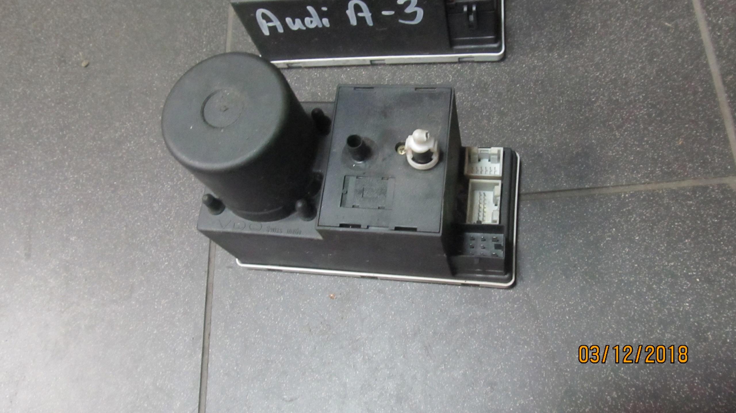 kompresor zamka centralnego Audi 8L0862257K