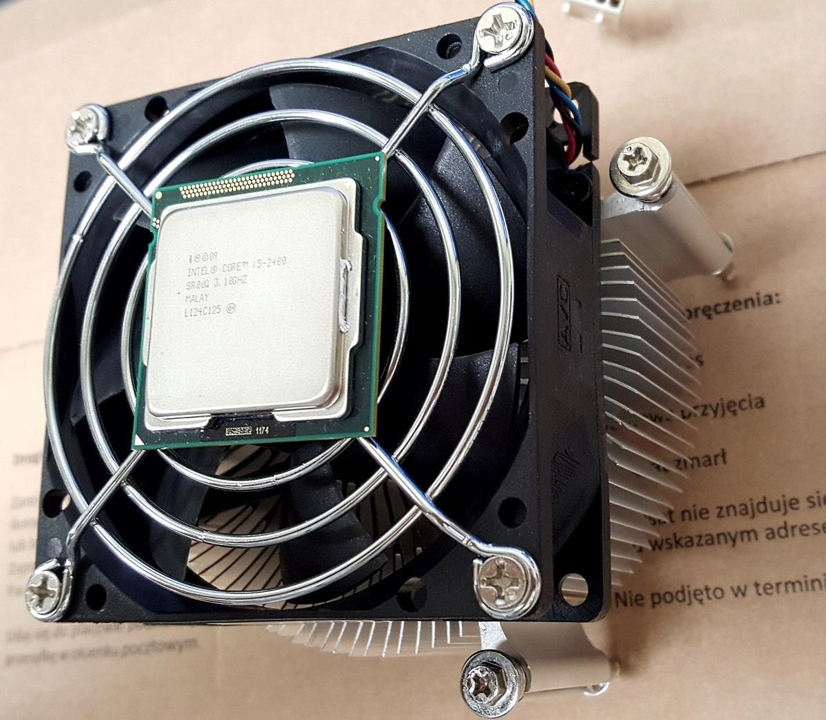 Intel core i5-2400 z radiatorem i wentylatorem