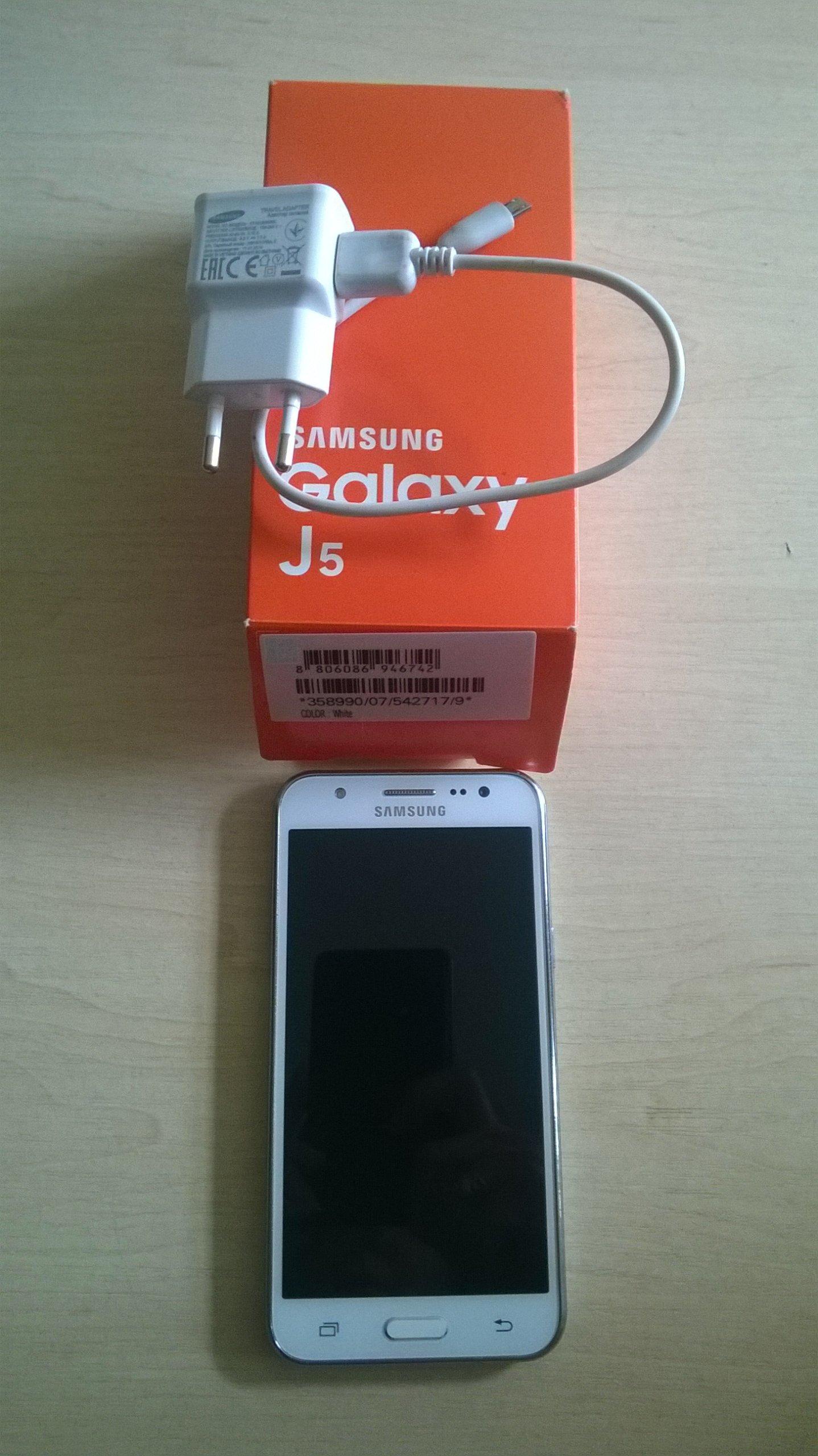 TELEFON SAMSUNG Galaxy J5 od kobiety na gwarancj