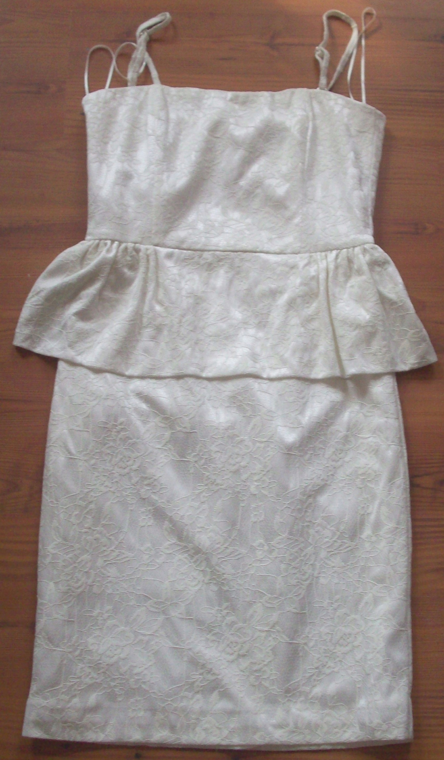 0cf98d431e Sukienka ecru koronka Pretty girl 38 M - 7551937011 - oficjalne ...