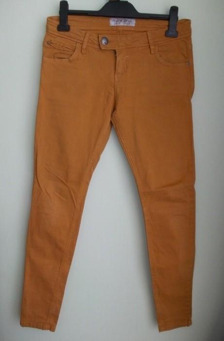 Spodnie rurki musztardowe Pull&Bear ( 38 )