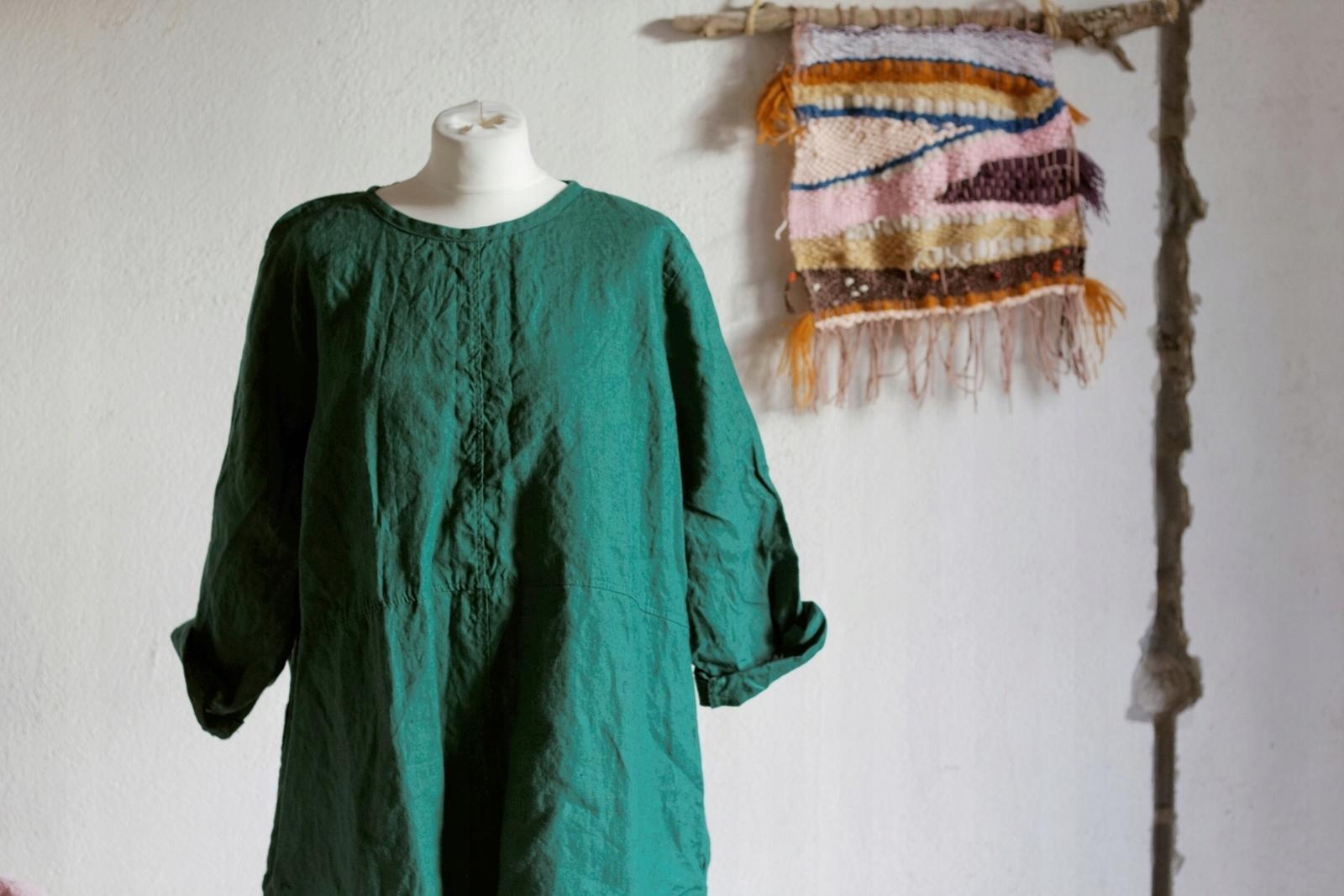 4b0bcc7279 Lniana tunika damska w kolorze butelkowej zieleni - 7516147743 ...