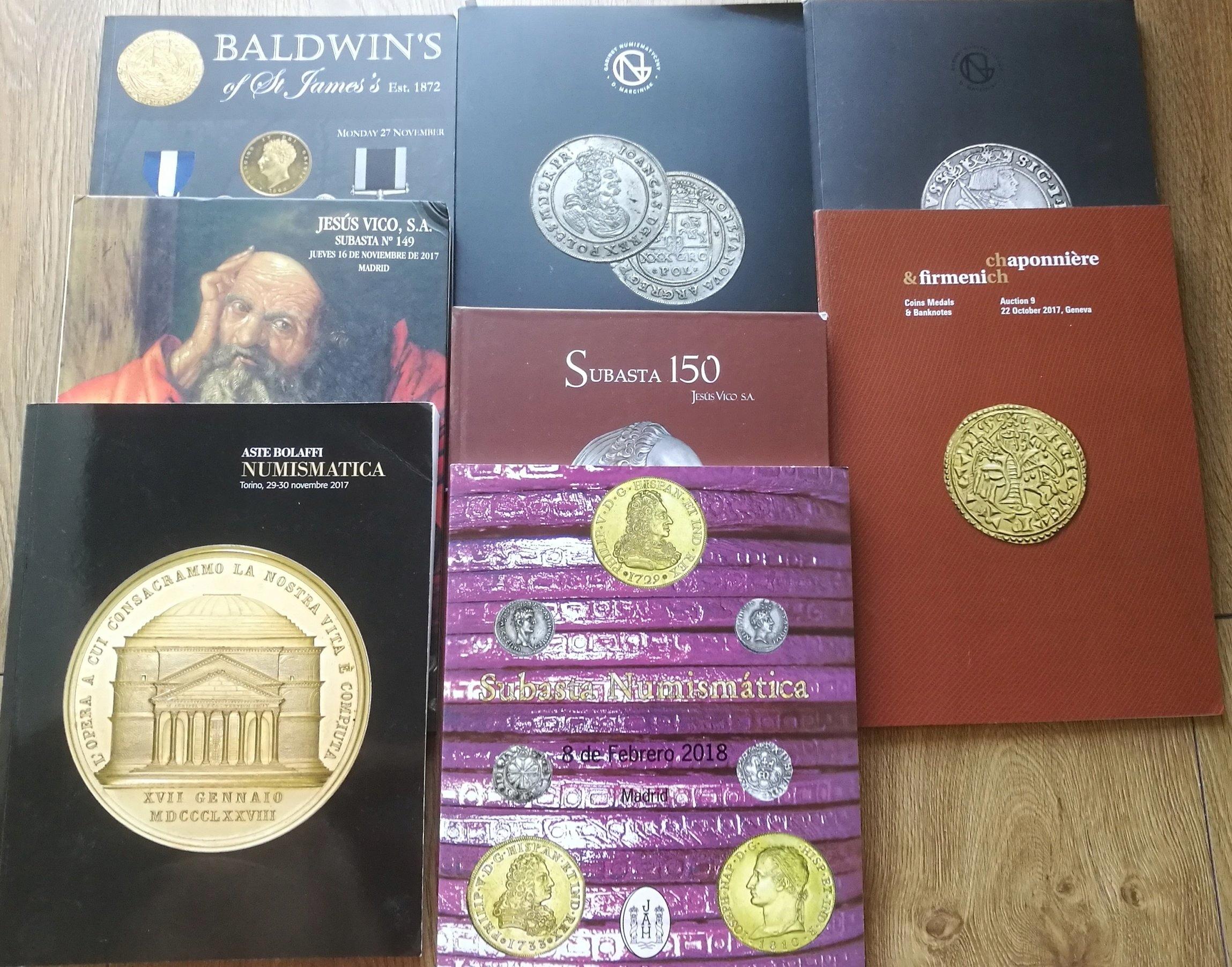 Katalogi aukcyjne - zestaw 8 katalogów.