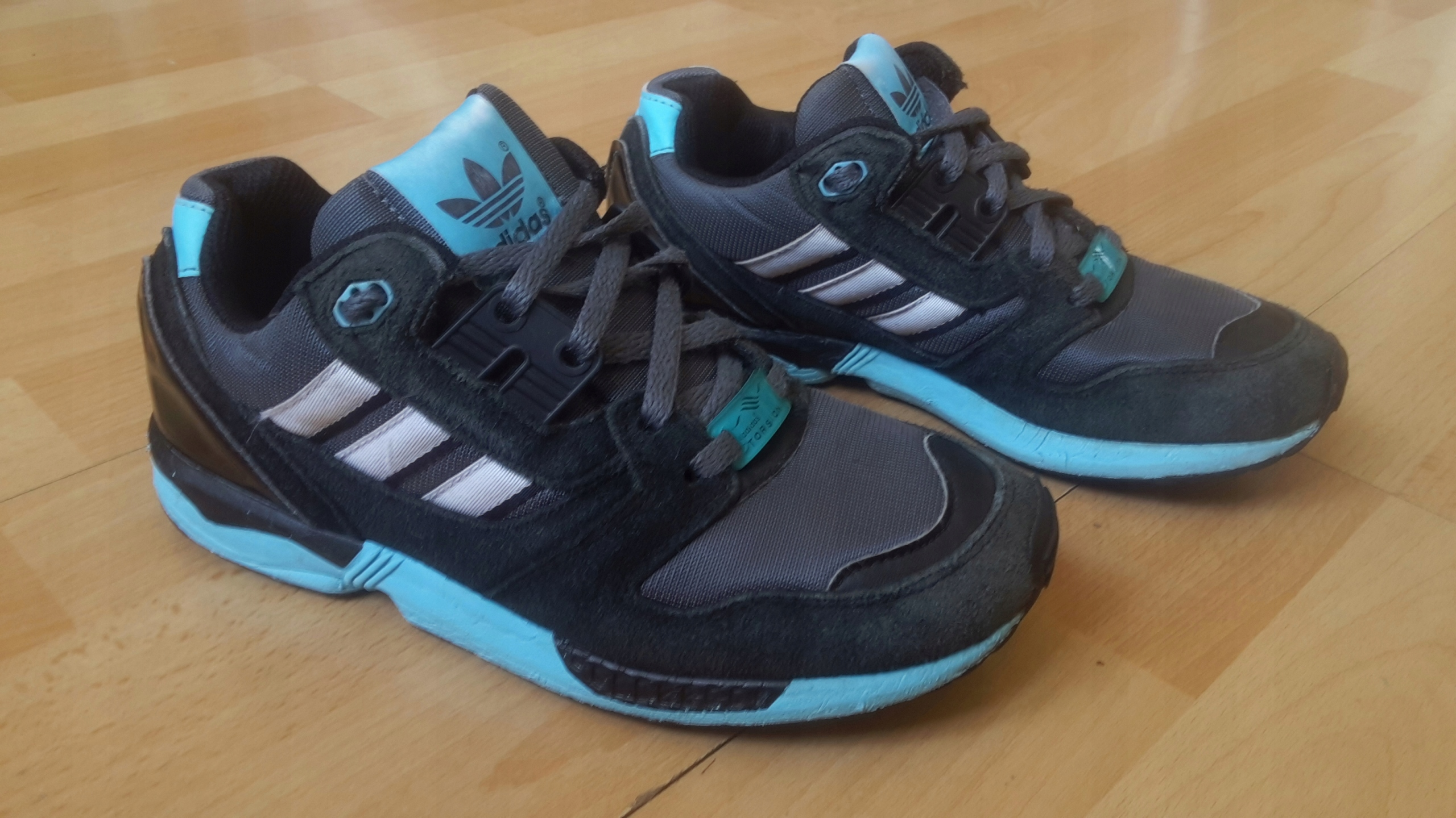 pretty nice 60ab7 79968 adidas zx flux 8000