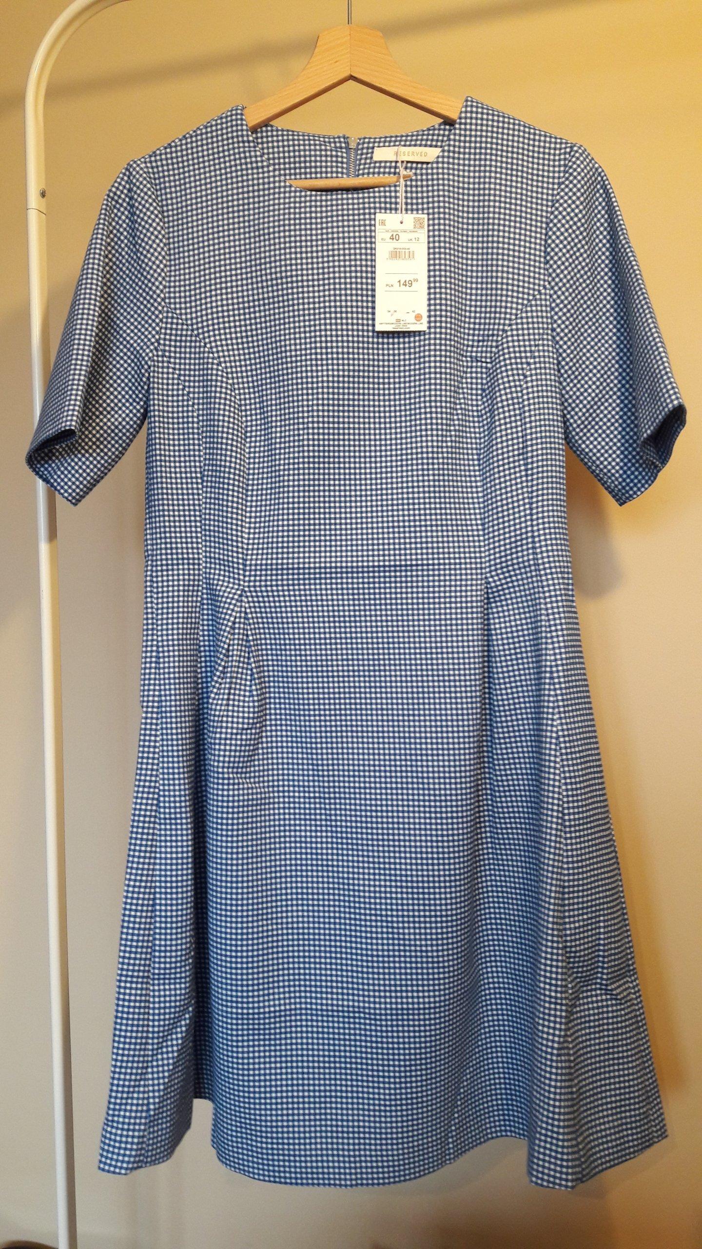 b92c3c40c50ec Sukienka RESERVED w biało-niebieską kratkę rozm. L - 7052268777 ...
