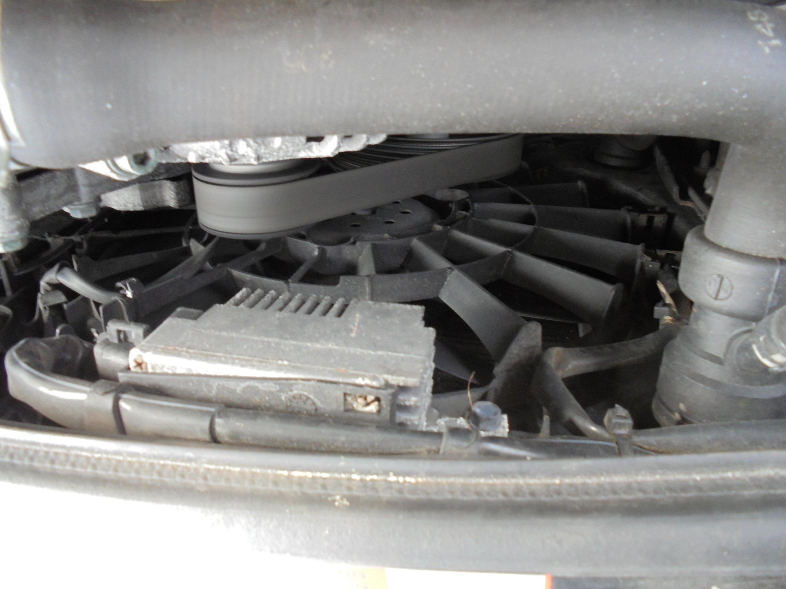 Wentylator Chłodnicy Wody Audi A4 B6 20 Alt 7354544847