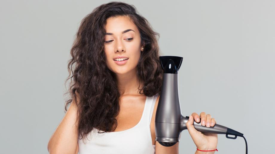 Profesjonalna suszarka do włosów – 5 polecanych modeli