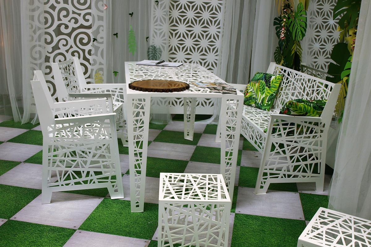 moderný záhradný nábytok