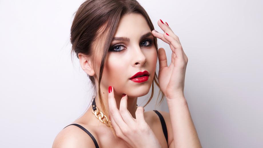Makijaż brwi – kosmetyki do 20 zł