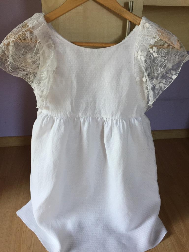 śliczna biała sukienka Zara koronka 152 cm 11 12 l