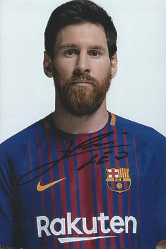 Znalezione obrazy dla zapytania autograf Messi