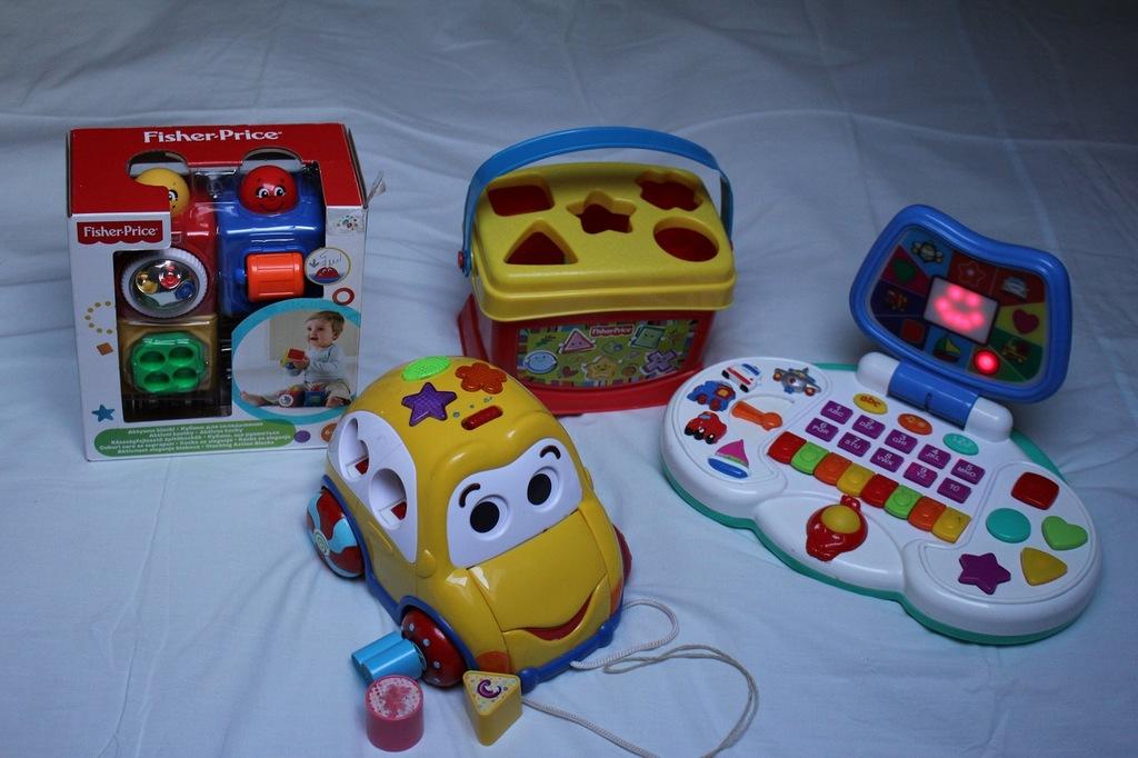 Zestaw 4 zabawek edukacyjnych Fisher Price i inne
