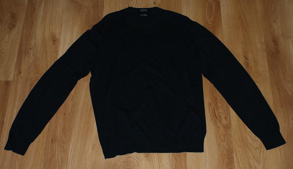 Modny męski sweter firmy Reserved, rozmiar L