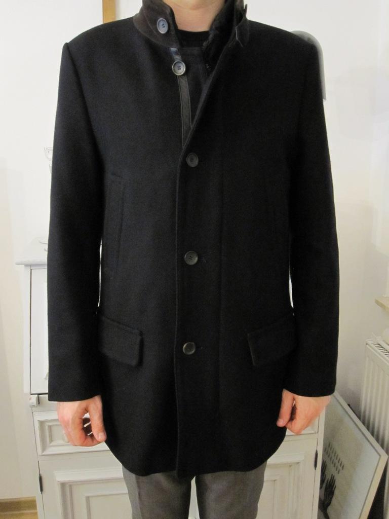Krótki płaszcz Pierre Cardin wełna