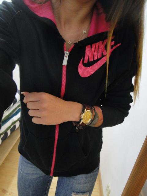 sportowa rozowo czarna bluza nike