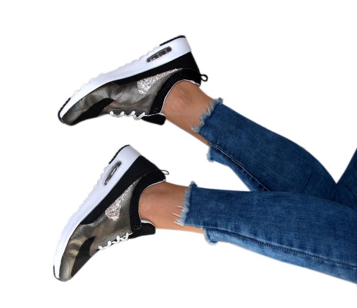 buty adidas na koturnie ze znaczkiem cekinowym