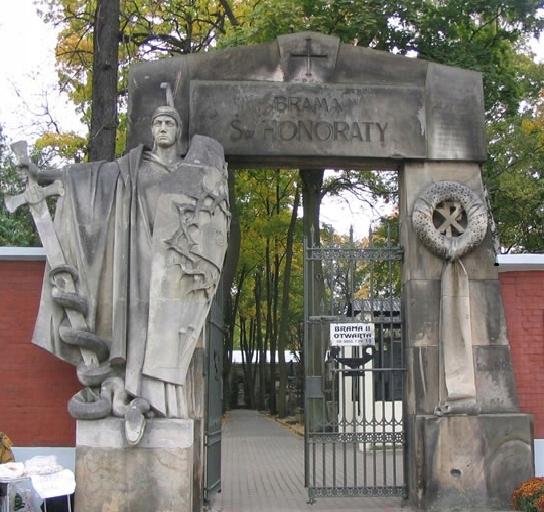 Mycie czyszczenie nagrobków grobów Warszawa