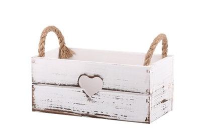 белая коробка  ??????????  цветы ТРАВЫ С СЕРДЦЕМ