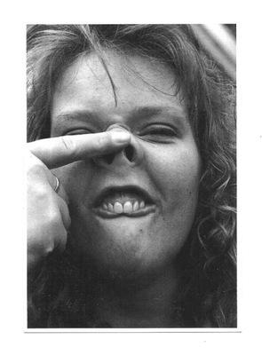 П / я.- Портрет с забавным вроде лошадиной рожей; зубы